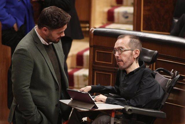 El portaveu d'ERC al Congrés, Gabriel Rufián (E) i el portaveu d'Unides Podem, Pablo Echenique (D)