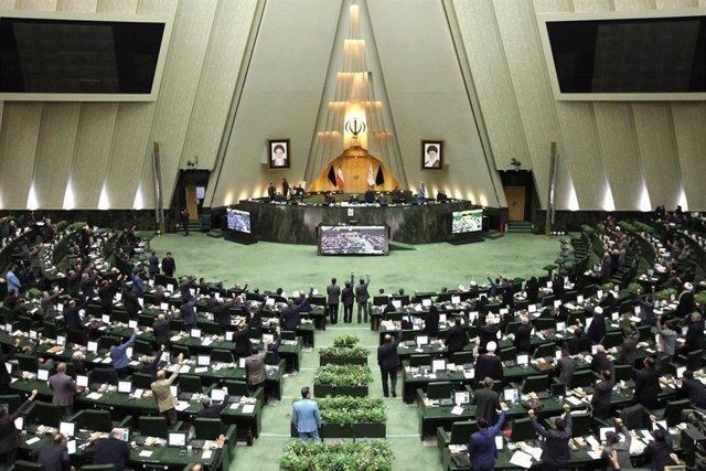Una sesión del Parlamento de Irán