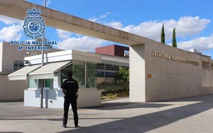 Detenida en Granada una abogada acusada de regularizar extranjeros con matrimonios de conveniencia