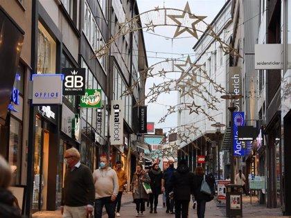 Más de la mitad de los españoles, con un presupuesto inferior a 300 euros, adelantan sus compras navideñas un mes