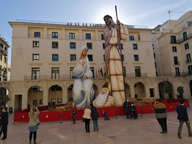 El belén 'Sagrada Familia' de Alicante, récord Guinnes como el más grande  del mundo