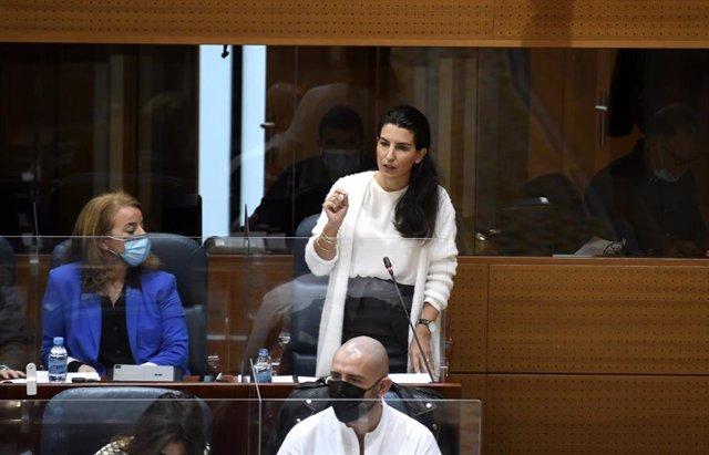 La portavoz de Vox en la Asamblea de Madrid, Rocío Monasterio, interviene durante una sesión de control al Gobierno en la Asamblea de Madrid (España), a 12 de noviembre de 2020. El Gobierno regional informará este jueves en el Pleno de la Asamblea de Madr