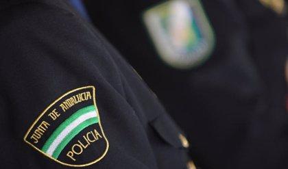 La Junta de Andalucía crea condecoraciones honoríficas para reconocer al personal de la Policía Adscrita