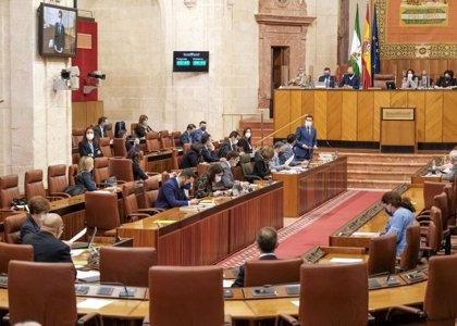 El Parlamento andaluz debate este miércoles dos decretos y la Junta informará sobre sus medidas frente al Covid