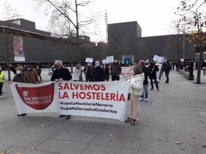 """Los hosteleros se manifiestan para pedir la reapertura de interiores ante la """"catastrófica"""" situación del sector"""