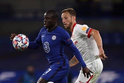 Sevilla y Chelsea se juegan el primer puesto a una carta