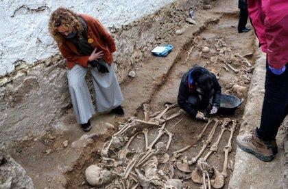 La Generalitat recupera 22 cadáveres de la Guerra Civil de la fosa de Salomó (Tarragona)