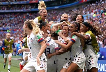 La selección femenina estadounidense de fútbol y la federación logran un primer acuerdo sobre las condiciones laborales