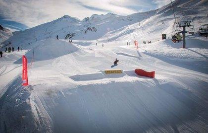 Las estaciones de esquí catalanas acuerdan abrir el 9 de diciembre si hay nieve y cambio de tramo