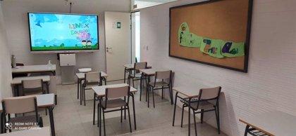 Las aulas de Infantil y Primaria de Extremadura comienzan a recibir las 561 pizarras digitales interactivas de la Junta