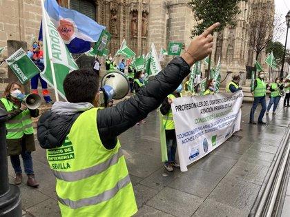 """Convocados dos días de huelga entre los enfermeros de urgencias de atención primaria de Sevilla por su """"merma salarial"""""""