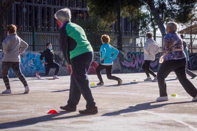 Programa de actividad física para personas mayores en parques de Zaragoza