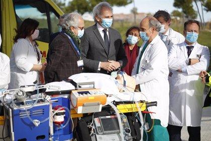 Escudero dice que 116 voluntarios serán los primeros profesionales en incorporarse al Hospital Isabel Zendal