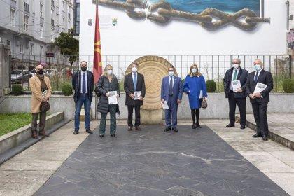El Gobierno tiende la mano a los colegios profesionales para colaborar en la recuperación de Cantabria