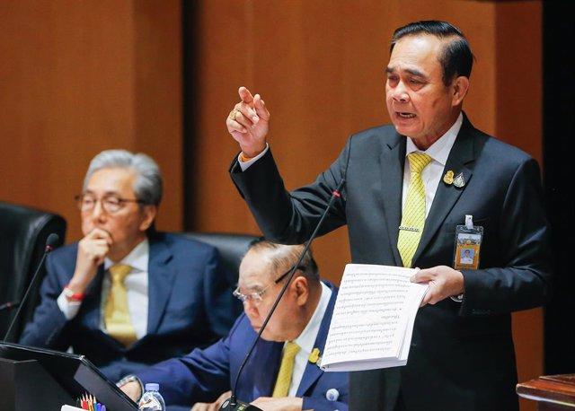 El general Prayuth, en una comparecencia en el Parlamento de Bangkok