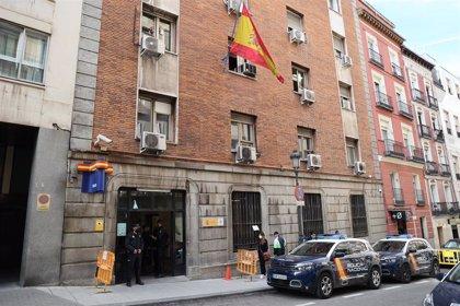 La defensa de Rafael Amargo denuncia que lleva detenido más de 24 horas sin asistencia letrada