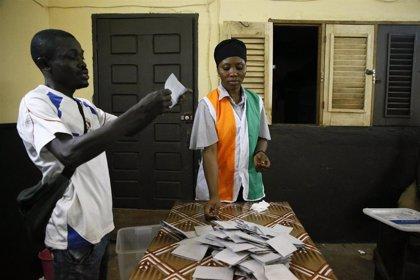 HRW pide una investigación urgente de los más de 50 muertos en Costa de Marfil en relación con las elecciones