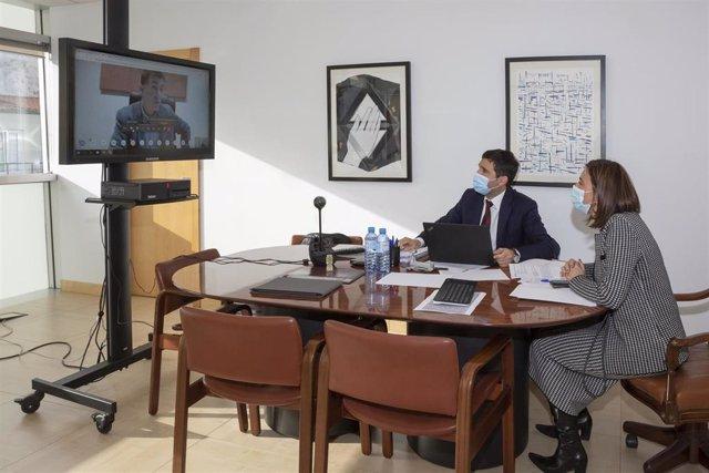 La consejera de Justicia, Paula Fernández, y el director de Justicia, en la reunión de coordinación con el Ministerio, el CGPJ y el resto de autonomías con competencias