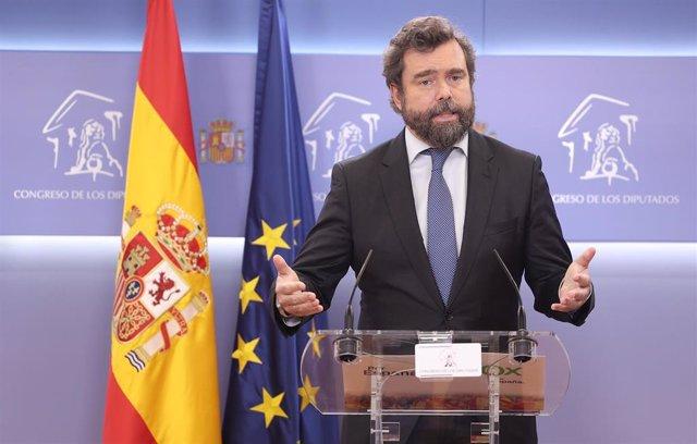 El portavoz de Vox en el Congreso de los Diputados, Iván Espinosa de los Monteros,en una rueda de prensa