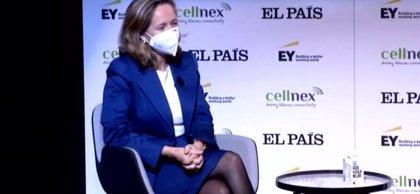 """Calviño dice que se explorarán """"todas las vías"""" para el acuerdo de fondos UE, que """"hay que ejecutar al 100%"""""""
