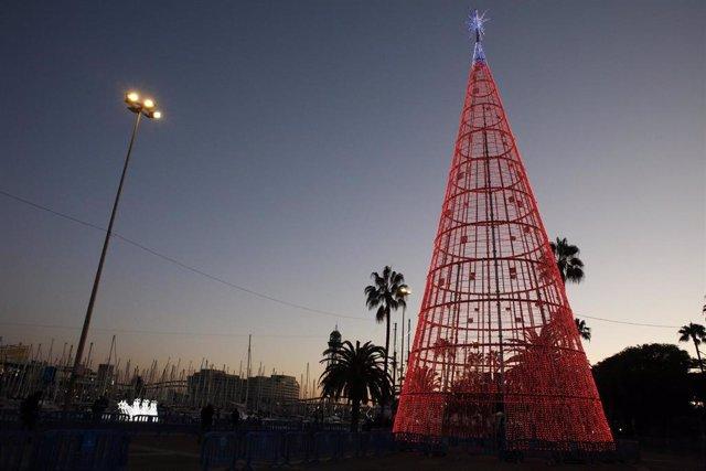 El Puerto de Barcelona inaugura la II edición de 'Navidad en el Puerto' con el encendido de luces.