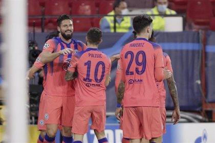 Giroud deja al Sevilla sin primer puesto
