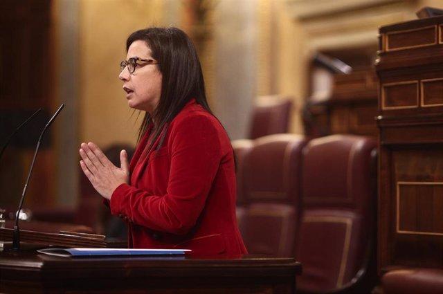 La diputada del PP, Ana Vázquez, interviene durante una sesión plenaria en el Congreso de los Diputados.