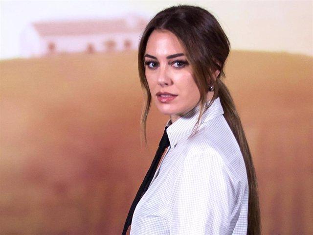 """Blanca Suárez ha presentado, al lado de Javier Rey, la película en la que se enamoraron, """"El verano que vivimos"""""""