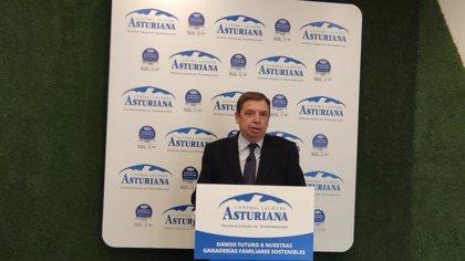 Planas cree que la negociación con otros países permitirá atender a las demandas de la pesca artesanal asturiana