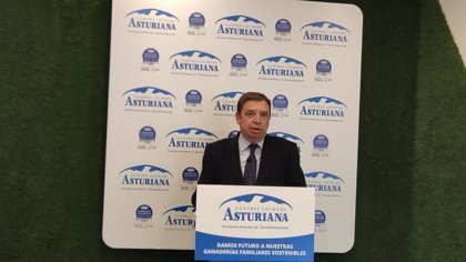Planas cree que la negociación con otros países permitirá atender la demanda de la pesca artesanal asturiana