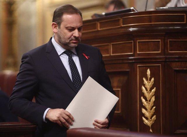 El ministro de Transportes, Moviliad y Agenda Urbana, José Luis Ábalos, durante una sesión plenaria en el Congreso de los Diputados