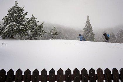 Activado por primera vez esta temporada el Plan de Inclemencias Invernales por la previsión de nieve en la Sierra mañana