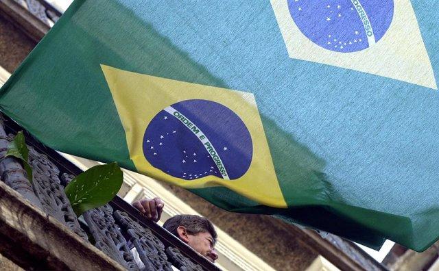 Bandera de Brasil. Imagen de archivo.