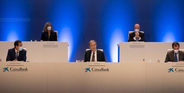 Junta extraordinària d'accionistes de CaixaBank a València.