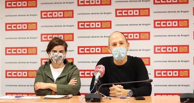 Elena Pérez y Carmelo Asensio este jueves en la rueda de prensa.