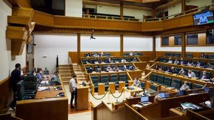 """El Parlamento Vasco pide un uso """"progresivo"""" del euskera, acompañado de subtítulos, en todos los medios de EiTB"""