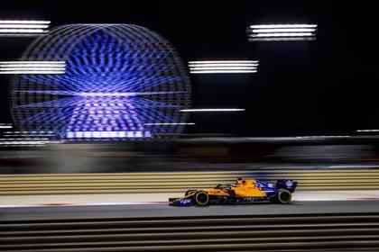 La ausencia de Hamilton abre el abanico en la noche de Baréin