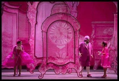 """'La Cenerentola' de Rossini se presenta en Les Arts como un cuento para adultos de """"estética impactante y rosa flúor"""""""