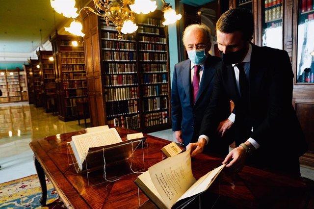 El líder del PP, Pablo Casado, visita la Real Academia Española (RAE). En Madrid, a 3 de diciembre de 2020.