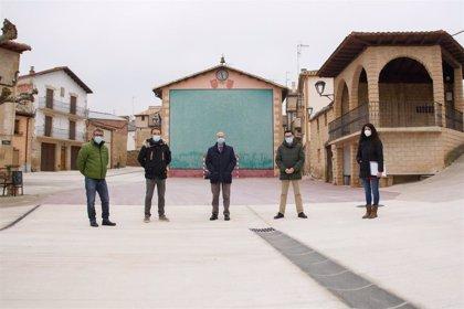 Los vecinos de Armañanzas estrenan nuevas redes y pavimentación en su plaza
