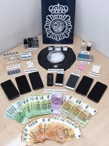 Policía halló en las casas de Amargo otras drogas como GHB, ketamina, 2CB y Popper; así como 8 móviles y 6000€