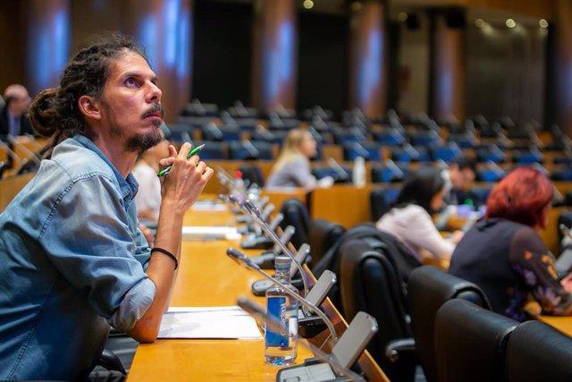 El diputado y Secretario de Organización de Podemos, Alberto Rodríguez, en una comisión del Congreso