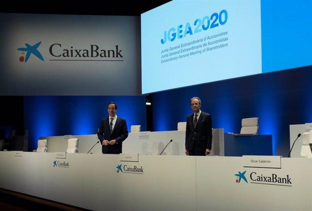El conseller delegat de CaixaBank, Gonzalo Gortázar, i el president de CaixaBank Jordi Gual