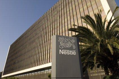 Nestlé invertirá 2.954 millones en cinco años para acelerar la reducción de emisiones