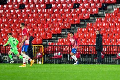 """Diego Martínez: """"Es algo extraordinario para un club tan modesto como el Granada"""""""
