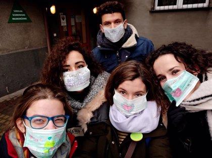 """Manos Unidas homenajea a sus voluntarios, """"esenciales"""" en la pandemia para ayudar a 1,2 millones de personas vulnerables"""