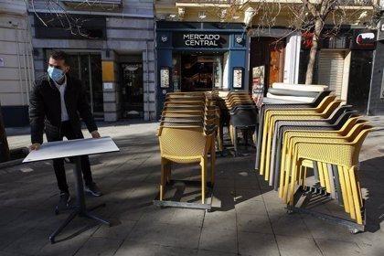La Junta pide que abrir las terrazas permita mantener los ERTE de impedimento