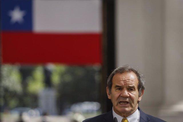 El ministro de Relaciones Exteriores, Andres Allamand