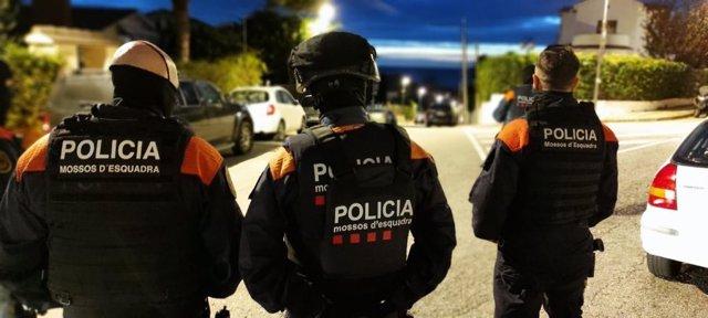 Operació dels Mossos d'Esquadra contra el tràfic i cultiu de marihuana.