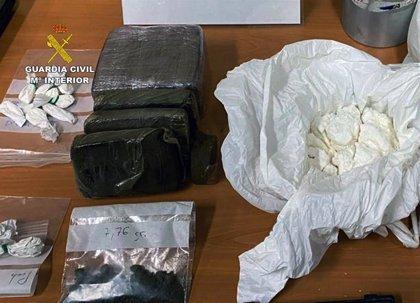 La Guardia Civil desmantela un punto de distribución de cocaína establecido en dos fincas de Cartagena